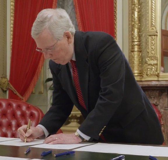 Farm Bill Signing_McConnell.jpg