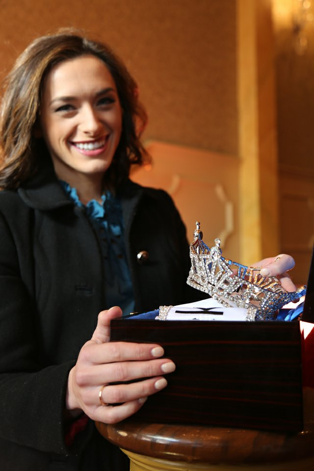 Miss Kentucky Crown 1.jpg