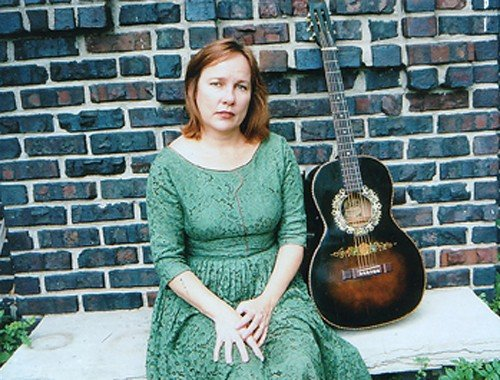 Iris Dement will perform a special broadcast at Woodsongs on Monday.