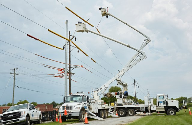 Image_1_Transmission_Pole_Replacement_Work_4598x3000.jpg