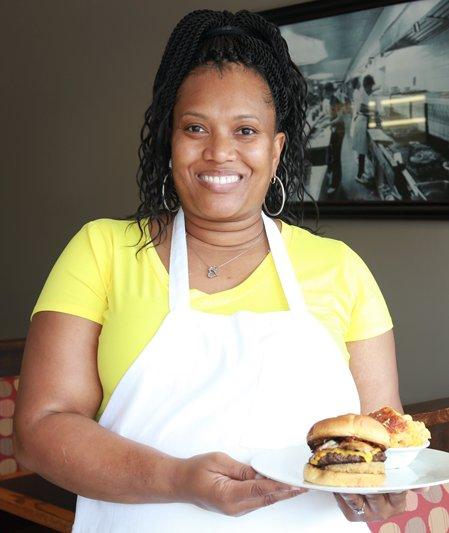 Josanne's-Homestyle-Kitchen-Owner-Tammara-Hall_TheresaStanley.jpg