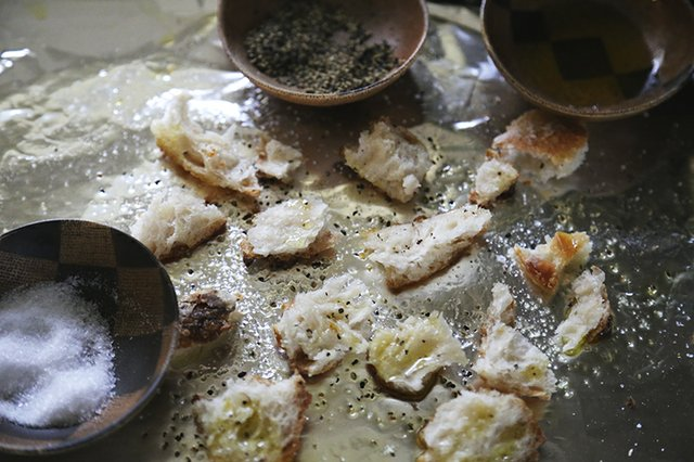 Homemade Croutons-1_TheresaStanley.jpg