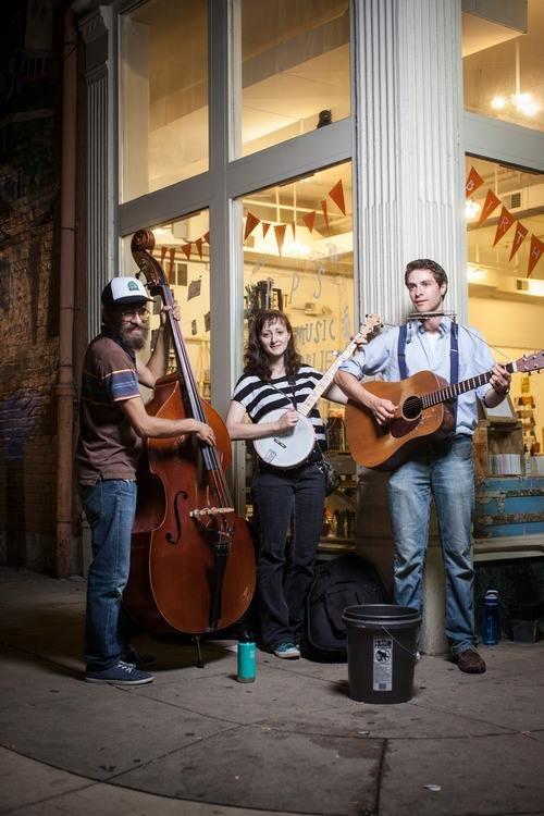 Red Barn Radio: Cincinnati Folksinger and His Uptown Band