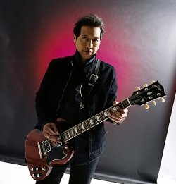 Singletary Signature Series: Alejandro Escovedo and the Sensitive Boys