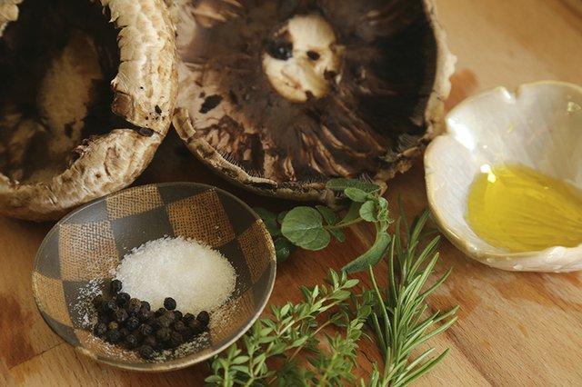 Grilled Mushrooms Ingredients 2_TheresaStanley.jpg