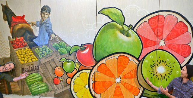 BroCoLoco _44_Kroger Lexington UK fruit grocery produce art mural Aaron Jared Scales.jpg