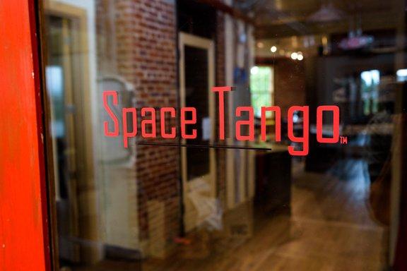 Space Tango-2.jpg