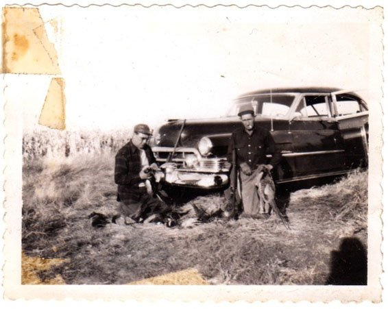 LouieBickett_ArchivePhoto_LZBArchive_FATHER PHEASANT HUNTING IN ND, c. 1949