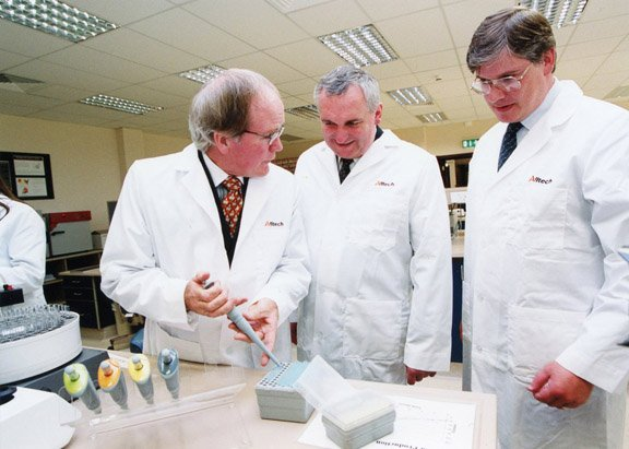 Pearse Lyons_lab.jpeg