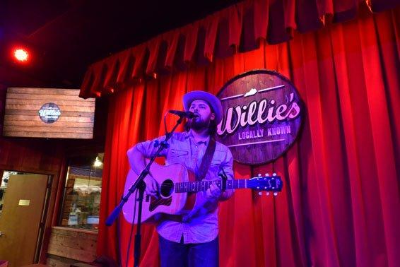 Willie's 2016-35