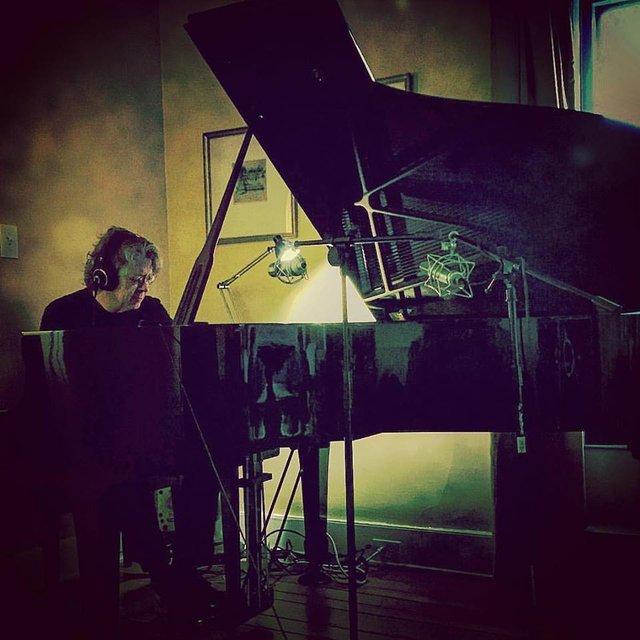 lee-carroll-piano.jpg