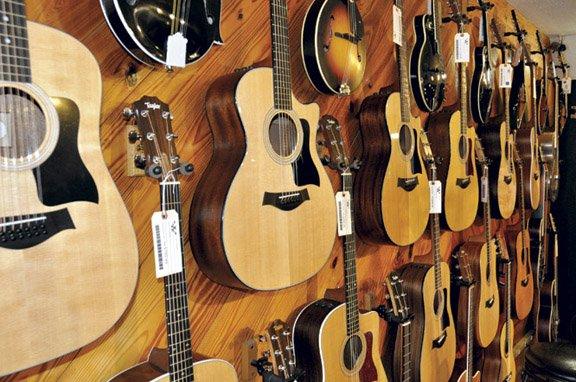 Willcutt Guitars_acoustic guitars.jpg