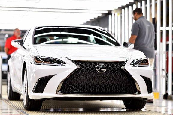 Toyota_Lexus ES 350_1.jpg