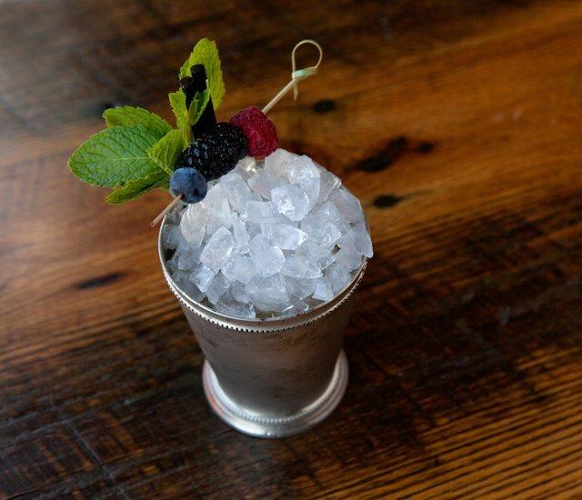 WEB SARAH JANE SANDERS 2014_SMILEY PETE_Cocktails-9 copy